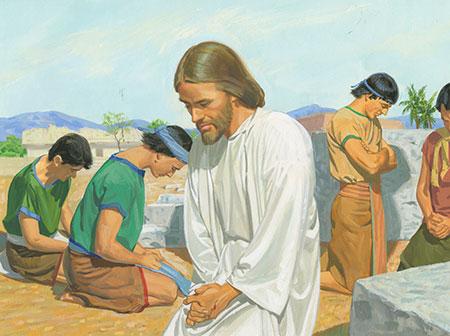 jesus-prays-with-disciples-thompson_1139090_inl